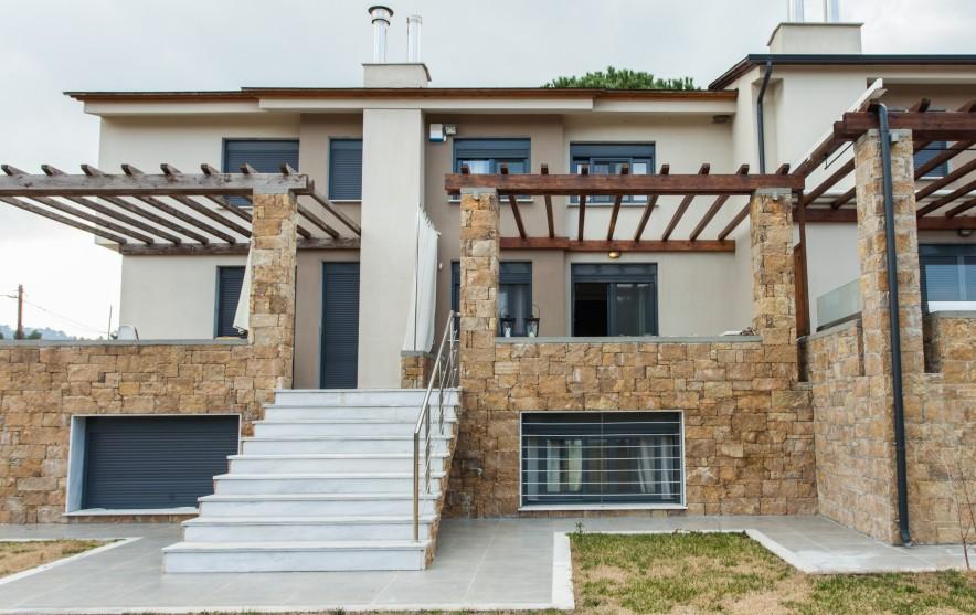 Athena beachfront house Pefkohori balcony