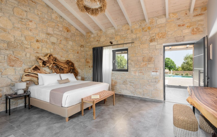 four olives luxury rooms afitos