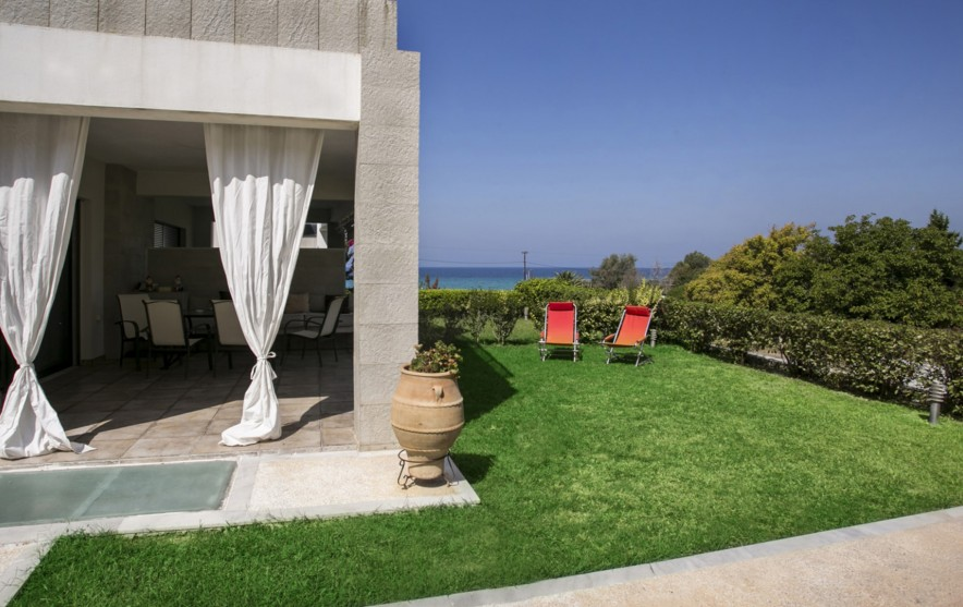 possidi beach house Pampa Grass